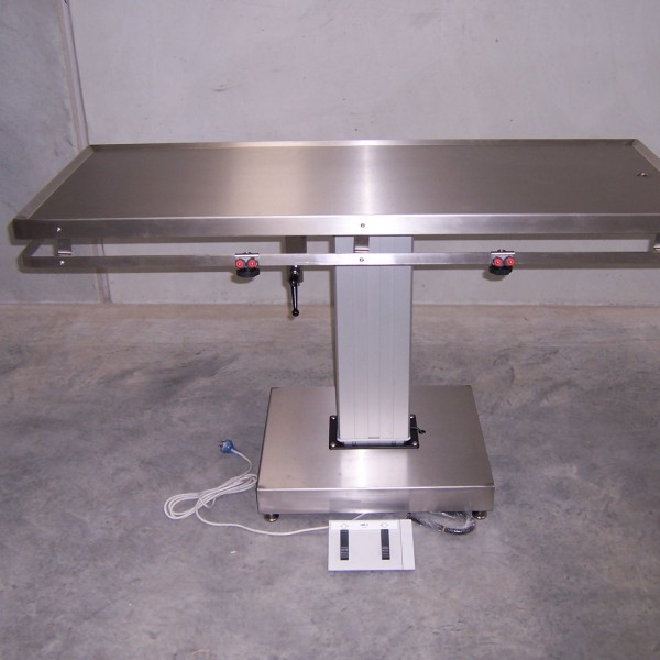 FLAT TOP 1500 X 600 ELECTRIC LIFT SURGERY TABLE