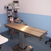 V TOP ELECTRIC LIFT OPERATING TABLE 1